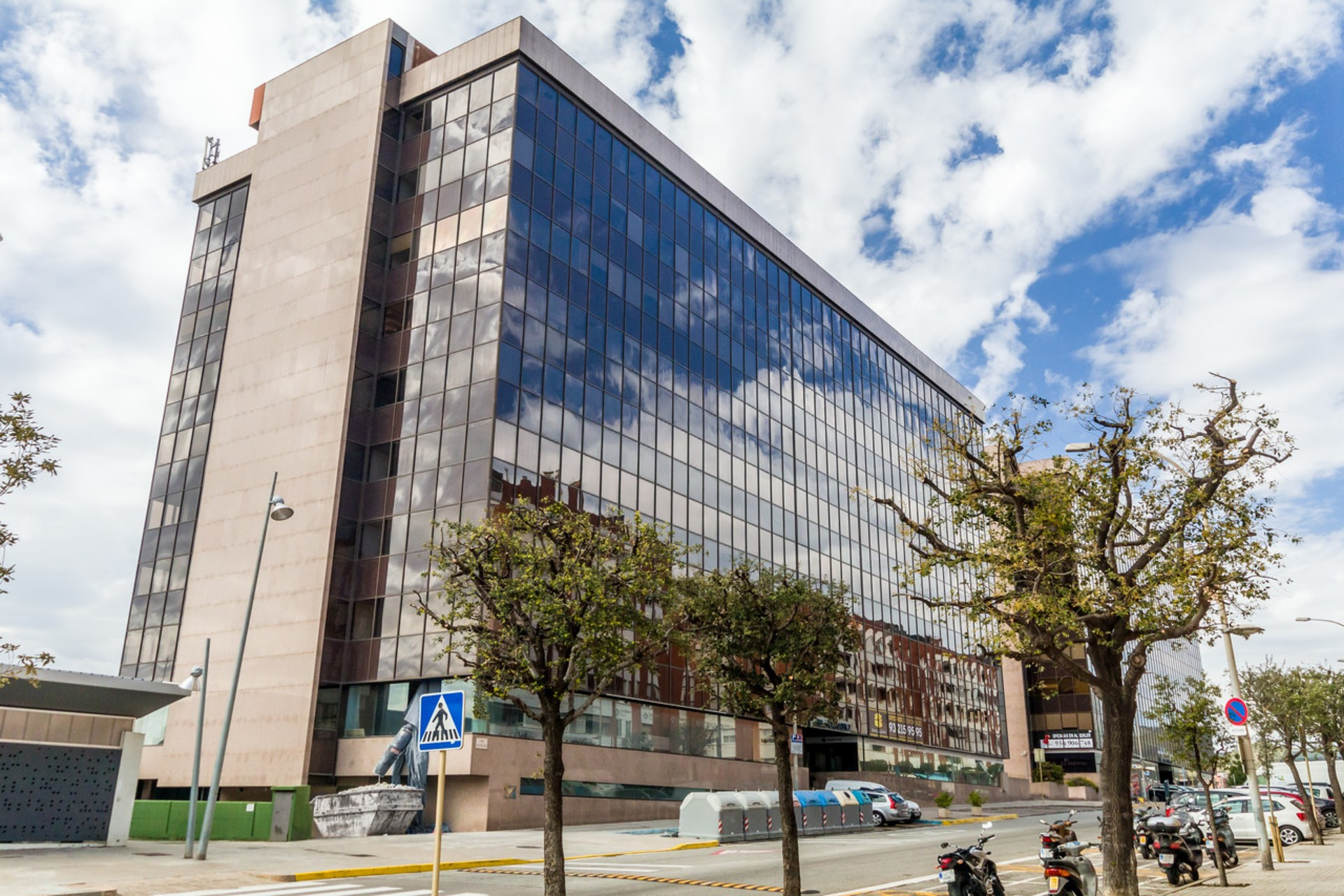 Edificio CONATA 2 - Garrods Real Estate